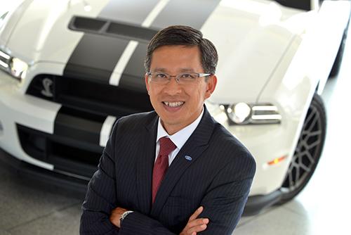 Tăng thái Hậu từ cậu bé gốc Việt đến chủ tịch tập đoàn Ford toàn cầu