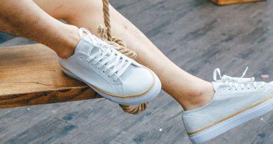 Những mẫu sneaker năng động trong mùa hè dành cho các chàng