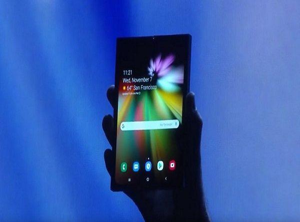 Smartphone màn hình gập