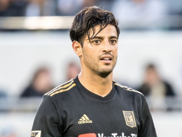 Carlos Vela suýt đầu quân cho Barca