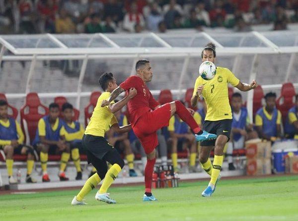 Bóng đá Việt Nam ra bơi ra biển nước