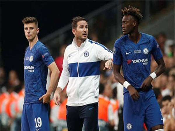 HLV Lampard thừa nhận Chelsea kém xa Ajax
