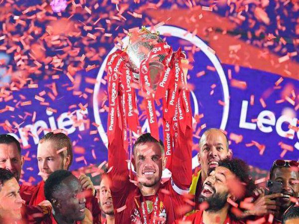 Tin bóng đá trưa 19/8: Liverpool có ca dương tính với virus corona