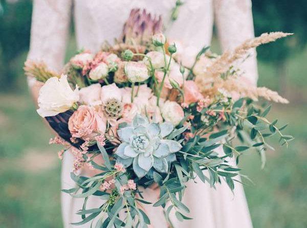 Màu hoa cưới mang lại may mắn cho cô dâu tuổi Mão