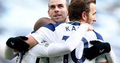 Chuyển nhượng tối 3/3: Tottenham xem xét mua đứt Bale