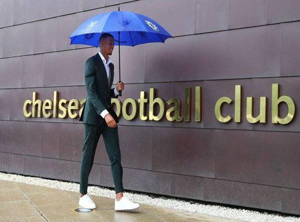 Tin CN 13/4: Chelsea chính thức chiêu mộ thành công Mbuyamba